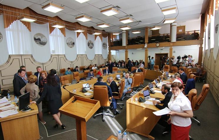 Во время сессии Горсовета Красноярска.