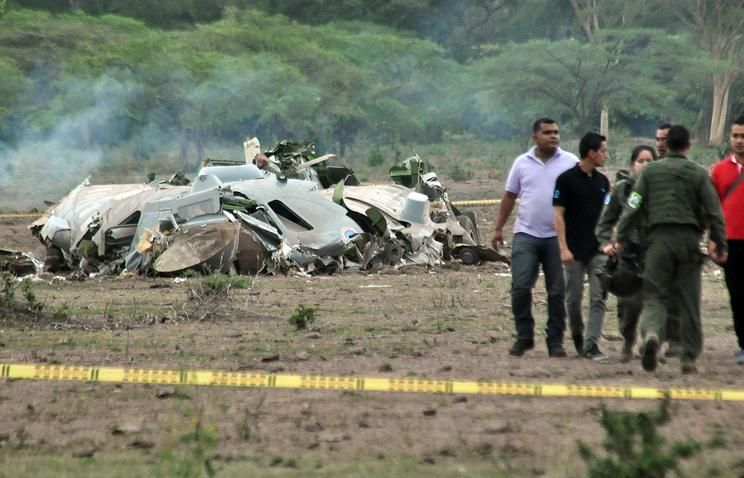 Транспортный самолет CASA CN-235M-200 ВВС Колумбии в сложных погодных условиях столкнулся с землей и разрушился, Агустин-Кодасси, Колумбия, 31 июля 2015