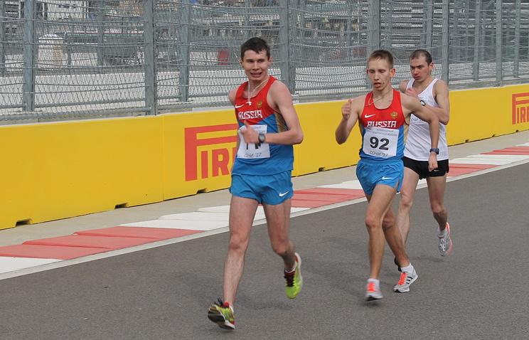 Сергей Широбоков (слева)