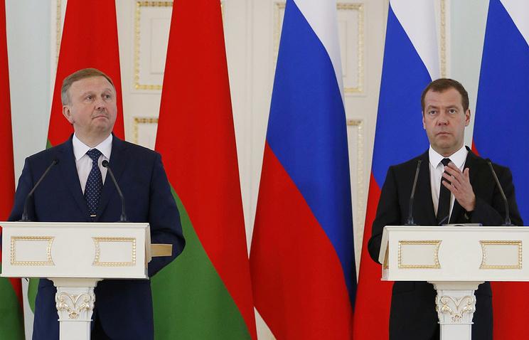 Премьер-министр Белоруссии Андрей Кобяков и премьер-министр РФ Дмитрий Медведев, Минск, 16 июня