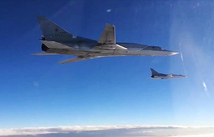 МинобороныРФ поведало ополете Ту-22 над темным морем