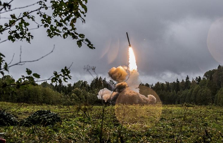 """Запуск ракеты ракетного комплекса """"Искандер-М"""" во время учений """"Запад-2017"""""""