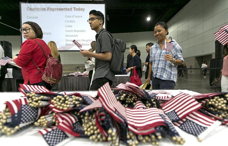 Власти США вернули в семьи нелегальных иммигрантов более 500 детей