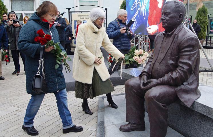 Дочь режиссера Э.Рязанова Ольга и вдова режиссера Э.Рязанова Эмма Абайдуллина