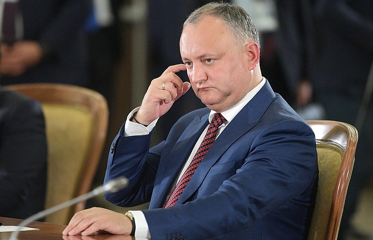 Вкулуарах парламента радикалы обсуждают вопрос выхода страны изСНГ— Президент Молдавии