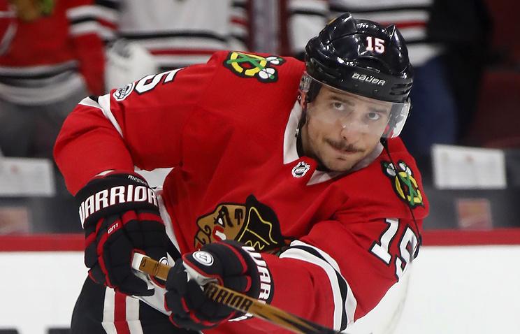 Хоккеист «Чикаго» Анисимов получил травму вматче с«Ванкувером»
