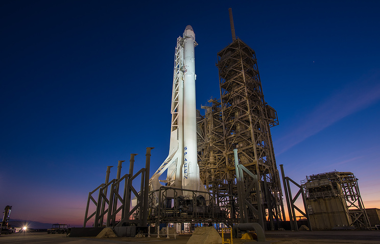 Falcon 9 соспутниками связи стартовала вКалифорнии