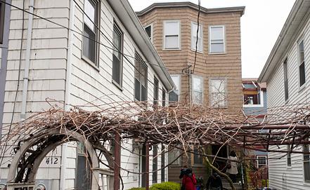 Дом, где проживали братья Царнаевы. Фото EPA/ИТАР-ТАСС