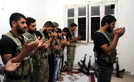 Сирийские повстанцы. Фото EPA/ИТАР-ТАСС