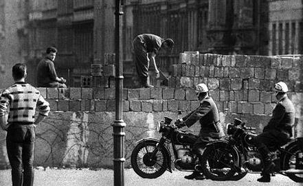 Возведение стены, 1961 год. Фото ИТАР-ТАСС
