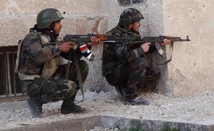 Бойцы сирийской армии. Фото EPA/ИТАР-ТАСС