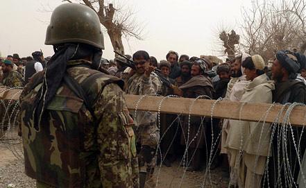 Афганцы выражают возмущение убийством у американской базы. Фото EPA/ИТАР-ТАСС