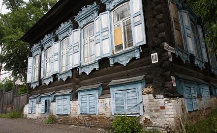 Старый деревянный дом на одной из улиц Енисейска. Город включен в список исторического наследия ЮНЕСКО. Фото ИТАР-ТАСС/ Виталий Безруких