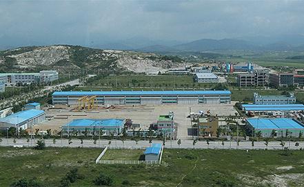 Индустриальный комплекс в Кэсоне. Фото EPA/KOREA POOL