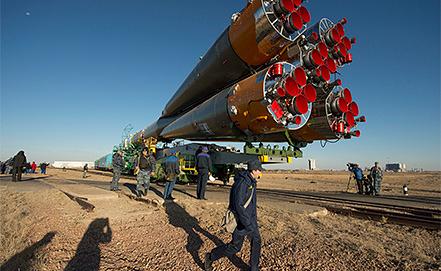"""Ракета """"Союз-ФГ"""" на стартовой площадке космодрома Байконур. Фото ИТАР-ТАСС/ EPA/CARLA CIOFFI"""