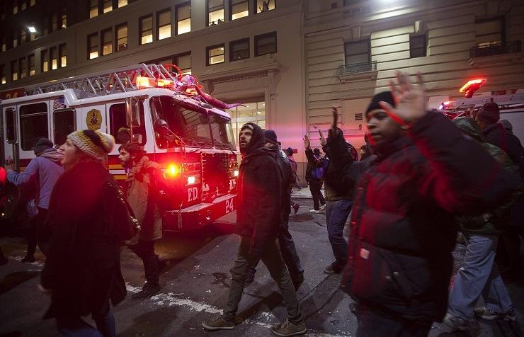 Акция протеста в США против жестокости и расовой дискриминации со стороны полиции