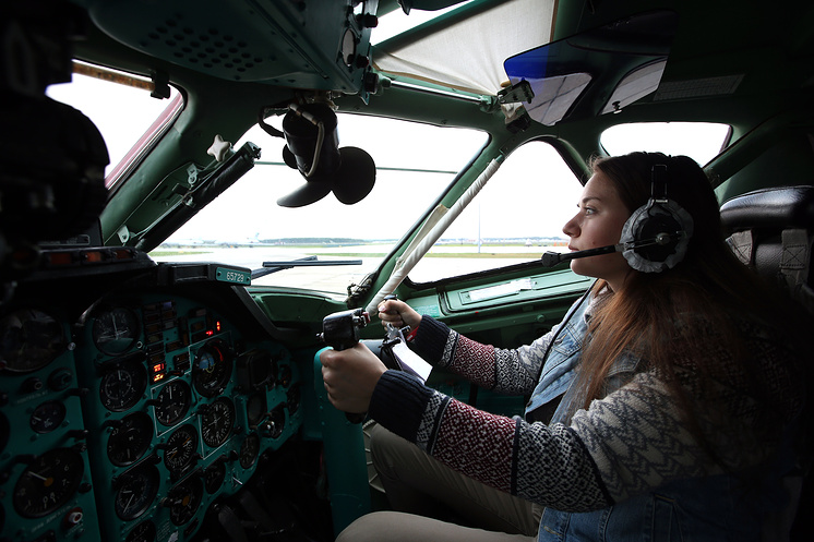 Абитуриентка Краснодарского высшего военного авиационного училища Аня Матвеева