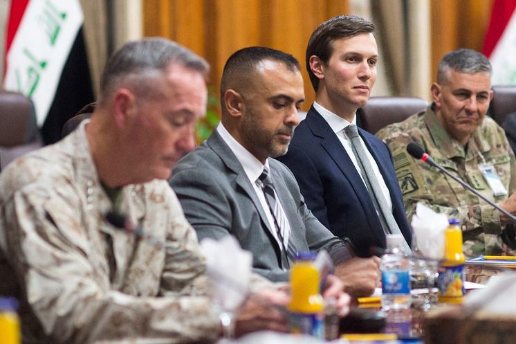Джаред Кушнер (второй справа) во время переговоров в Ираке, апрель 2017 года